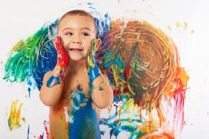 bambino e colori